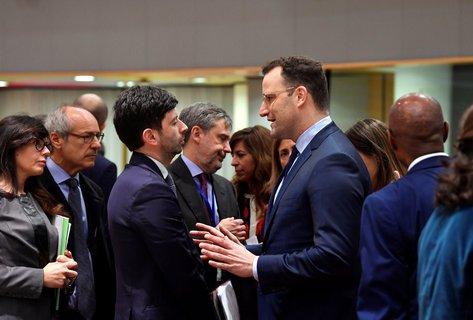 Jens Spahn im Gespräch mit seinem italienischen Amtskollegen Roberto Speranza